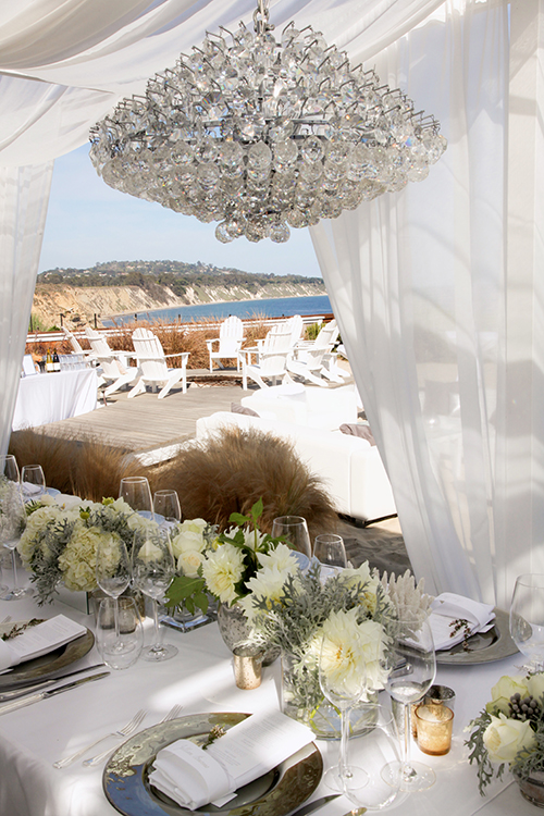 07Beachfront-Wedding-Private-Home-Santa-Barbara-Christa-Strick-table-chandelier