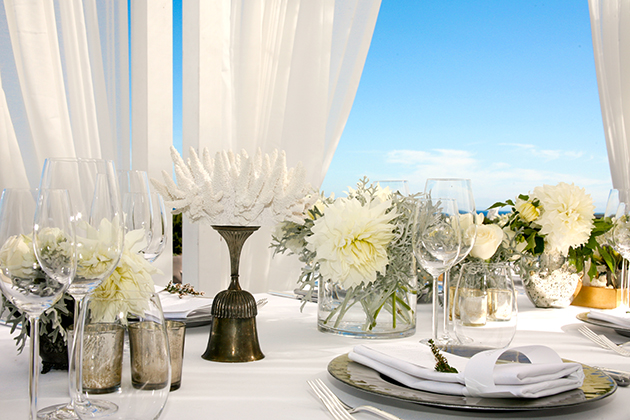 08Beachfront-Wedding-Private-Home-Santa-Barbara-Christa-Strick-centerpieces